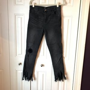 Forever 21 Contemporary Black Frayed Jeans 28